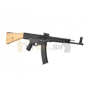 Replica airsoft StG44 Full Metal si Lemn